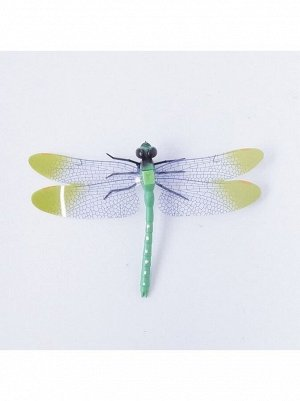 Стрекоза на магните 9 х 14 см пластик цвет зеленый