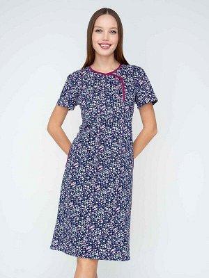 Платье Ткань: Кулирка; Состав: Хлопок 100%; Цвет: Сине-сиреневое; Страна: РоссияЛегкое платье в стиле домашней классики - так хочется описать эту модель. Очень женственный силуэт, с длиной, которая по