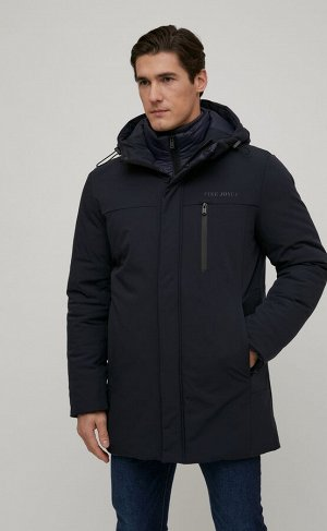 Куртка Новинка от Fine Joyce - удлиненная куртка с регулируемым несъемным капюшоном и отстегивающейся ветрозащитной планкой с воротником-стойкой. Застежка на двойную молнию под планкой на кнопках. Пер