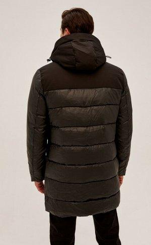 Куртка Новинка от Fine Joyce - удлиненная куртка с воротником-стойкой и съемным капюшоном. Застежка на двойную молнию под планкой на кнопках. Передние прорезные карманы на магнитных кнопках, внутренни