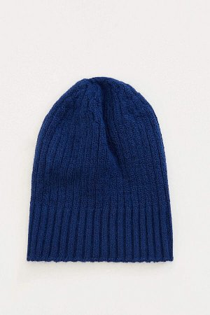 шапка Размеры модели: рост: 1,88 грудь: 89 талия: 74 Надет размер: STD  Акрил 88%,Poliamid 12%