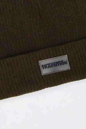 шапка Размеры модели: рост: 1,85 грудь: 91 талия: 72 бедра: 92 Надет размер: STD  Акрил 100%