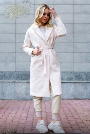 Пальто, цвет молочный