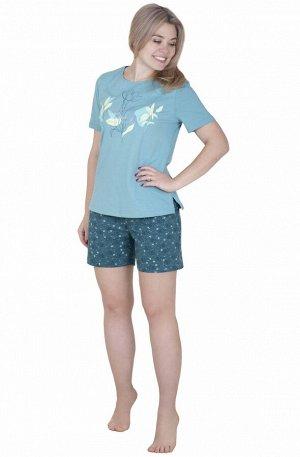 Костюм Кулирная пижама для сна, состоит из футболки  и коротких набивных шортиков в цветочек. Однотонный верх пастельных тонов дополняет крупный принт в верхней части изделия, в  нижней части изделия