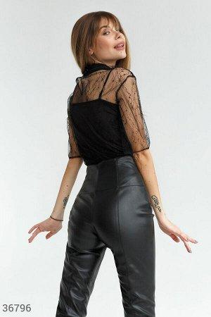 Утонченная полупрозрачная блуза