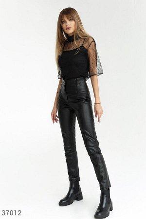 Черные брюки из искусственной кожи