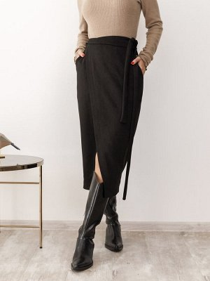 Черная замшевая юбка с кроем на запах