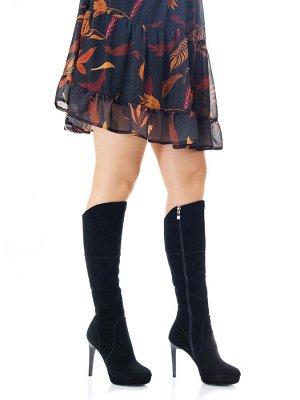Сапоги Страна производитель: Китай Размер женской обуви x: 35 Полнота обуви: Тип «F» или «Fx» Сезон: Зима Вид обуви: Сапоги Материал верха: Замша Материал подкладки: Натуральный мех Каблук/Подошва: Ка