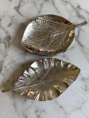 Тарелка декоративная 1003067 Лист серебро H2cm алюминий