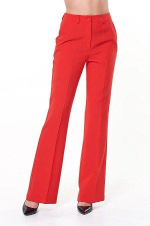 Брюки Ткань: 95% полиэстер, 5% эластан красный ОПИСАНИЕ Стильные брюки клеш из однотонной костюмной ткани, со средней посадкой на талии. Клеш от колена. Втачной пояс дополнен шлевками под ремень, пере