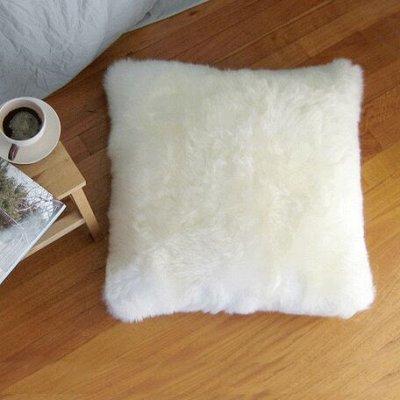 Наши цены на ковры, коврики и шкуры Вас приятно удивят! — Подушки — Подушки