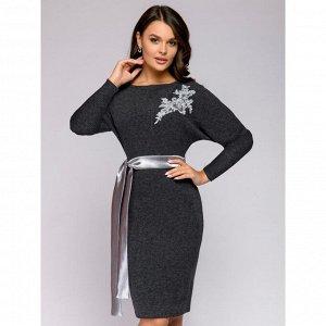 Платье серое с поясом и вышивкой