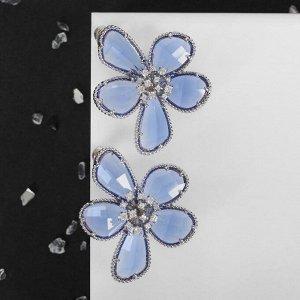 """Серьги ассорти """"Цветы"""" волшебство, цвет бело-синий в серебре"""
