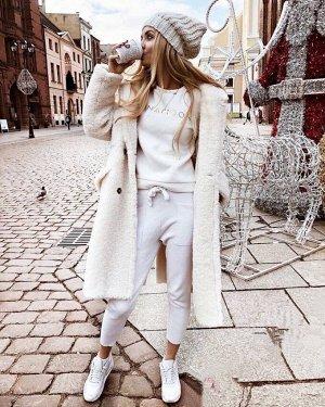 Пальто Стильное пальто стриженный барашек, внутри холлофайбер. Для температур до -20 Длина 110см