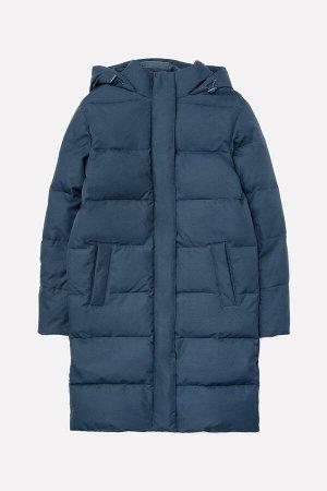 Пальто Цвет: голубовато-серый; Утеплитель: пух/перо; Вид изделия: Изделия из мембраны; Рисунок: голубовато-серый; Сезон: Осень-Зима Зимнее стёганое пальто для мальчика на подкладке из полиэстера с ут