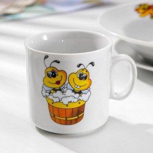 Набор посуды Добрушский фарфоровый завод «Пчёлы», 3 предмета: кружка 200 мл, тарелка глубокая 230 мл, d=20 см, тарелка мелкая d=17 см