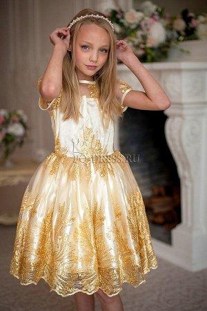 """Платье Нарядное платье с очень пышным многослойным подъюбником. Материал верха сетка с """"золотым"""" шитьем. Молния по спинке. Завязывается на пояс-бант."""