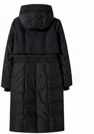 Зимний пуховик с капюшоном черный