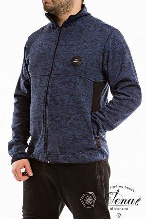 Толстовка Толстовка из поларфлиса с центральной застёжкой на молнию. Низ изделия и длинных рукавов обработаны эластичной бейкой. По бокам расположены два кармана на молнии. Спереди декоративная нашивк