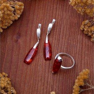 """Гарнитур посеребрение 2 предмета: серьги, кольцо """"Янтарь"""", цвет коричневый, 17,5 размер"""
