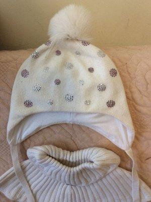 Шапочка чоби белая цельнокроеная с утеплением с помпоном 5-7 лет