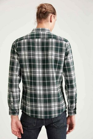рубашка Размеры модели: рост: 1,92 грудь: 96 талия: 80 бедра: 95 Надет размер: M  Хлопок 50%, Полиэстер 50%