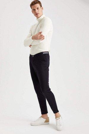 брюки Размеры модели: рост: 1,88 грудь: 98 талия: 82 бедра: 95 Надет размер: размер 32 - рост 30  Хлопок 30%, Полиэстер 70%
