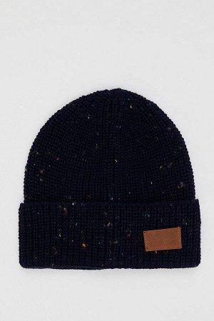 шапка Размеры модели: рост: 1,85 грудь: 98 талия: 80 Надет размер: STD  Акрил 100%