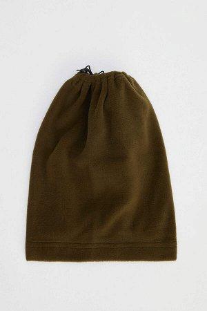 шапка Размеры модели: рост: 1,86 грудь: 96 талия: 76 бедра: 96 Надет размер: STD  Полиэстер 100%