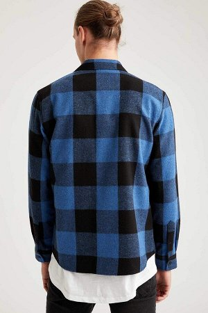 рубашка Размеры модели: рост: 1,92 грудь: 96 талия: 80 бедра: 95 Надет размер: M  Акрил 70%, Хлопок 15%, Полиэстер 15%