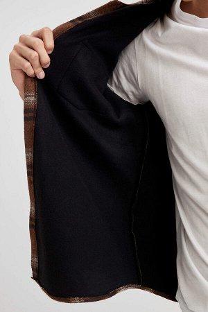 рубашка Размеры модели: рост: 1,92 грудь: 96 талия: 80 бедра: 95 Надет размер: M  Акрил 20%, Хлопок 29%, Вискоз 15%, Полиэстер 36%