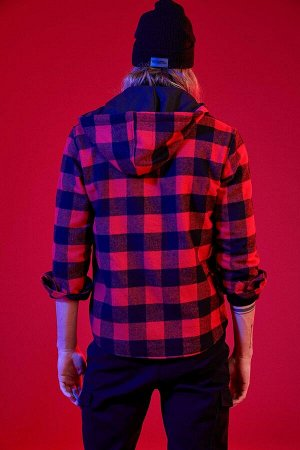 рубашка Размеры модели: рост: 1,92 грудь: 96 талия: 80 бедра: 95 Надет размер: M  Акрил 35%, Хлопок 20%,Di?er Elyaf 15%, Полиэстер 30%