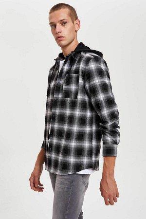 рубашка Размеры модели: рост: 1,86 грудь: 97 талия: 74 бедра: 96 Надет размер: M  Полиэстер 50%, Хлопок 50%