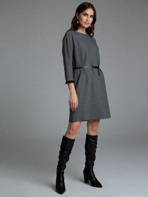 Платье Состав ткани: 54%Вискоза;28%Шерсть;15%П/Э;3%Эластан Длина: 93 См. Описание модели Платье прямого кроя со слегка спущенной линией плеч и рукавами 3/4. Простой силуэт скрывает несовершенства фигу