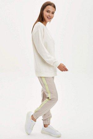 брюки Материал Размеры модели: рост: 1,73 грудь: 90  талия: 60  бедра: 90 Надет размер: 36 полиэстер 20%,вискоз 80%