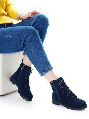 Ботинки Страна производитель: Китай Размер женской обуви x: 36 Полнота обуви: Тип «F» или «Fx» Вид обуви: Ботинки Сезон: Зима Материал верха: Замша Материал подкладки: Мех шерстяной Каблук/Подошва: Ка