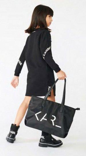 Платье Спортивное платье, хлопок, полиэстер,боковые карманы, узорчатая тесьма с принтом логотипа спереди и на рукавах. 09B - BLACK