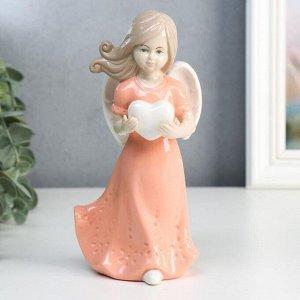 """Сувенир керамика """"Ангел-девочка в розовом платье с сердцем в руках"""" 18х9х5,8 см"""