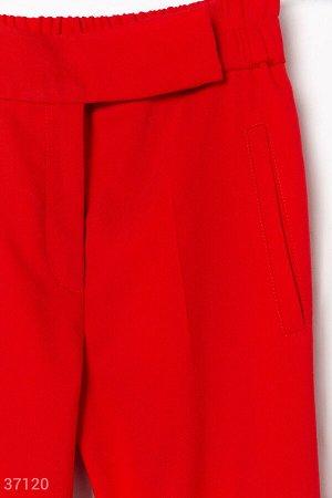 Классические брюки красного цвета