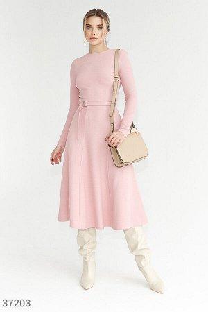 Однотонное платье-миди пудрового оттенка