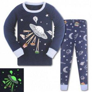 Пижама Пижама трикотаж. По отзывам маломерит, можно взять на 1 размер больше. Светится ночью. 3Т(95 см) 4Т(100см) 5Т(110 см) 6Т(120 см) 7Т(130 см) 8Т(140 см)