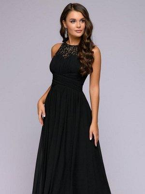 Платье черное длины макси с жемчужной отделкой