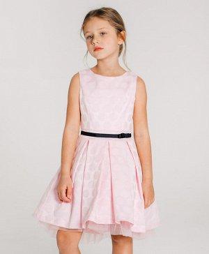 Платье Хлопок 70%, ПЭ 30%, подкладка - хлопок 100%.. Цвет розовый. Элегантное платье нежно розового цвета с текстурой в горох, без рукавов. Вырез головины с углублением в задней части. Платье застегив