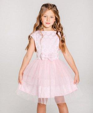 Платье Хлопок 70%, ПЭ 30%; фатин 100% ПЭ. Цвет розовый Нарядное платье нежно розового цвета с текстурой в горох, без рукавов. Вырез головины с углублением в задней части. Платье застегивается при помо