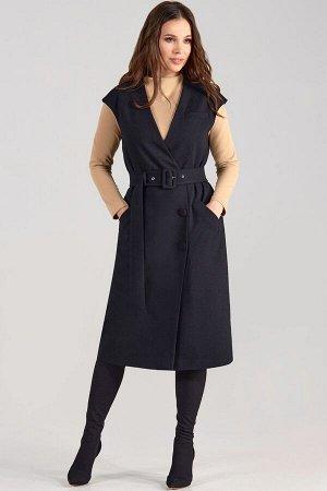 Сарафан Рост: 170 см. Состав ткани: 66% полиэстер 29% вискоза 5% спандекс Сарафан женский прямого силуэта. На переде обработаны прорезные карманы листочки(один на груди) . Застежка смещенная боровая н