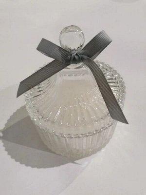 """Свеча ароматизированная Beal Floox, 10,5х10,5х12 см, цв.белый, комб.ат-лы, вес 190 гр, аромат """"черная ваниль"""", в стеклянной шкатулке с крышкой"""
