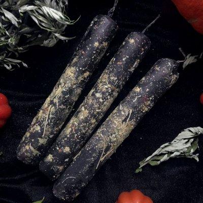 Натуральные свечки с травами из вощины, ручная работа🌿 — Свечи восковые с травами 🌿🍃 — Свечи и подсвечники
