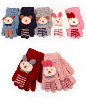 Перчатки для девочки Цвет: красный