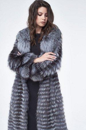 Пальто из лисы с английским воротником
