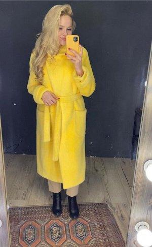 Пальто желтое